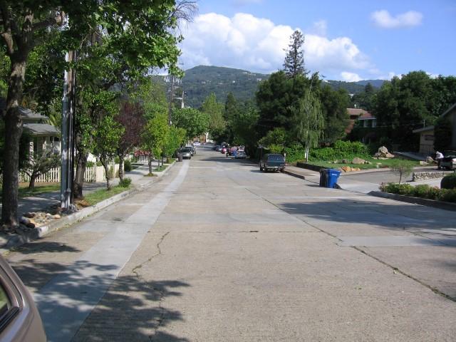 Los Gatos Broadway Small - Slideshow of Silicon Valley neighborhoods