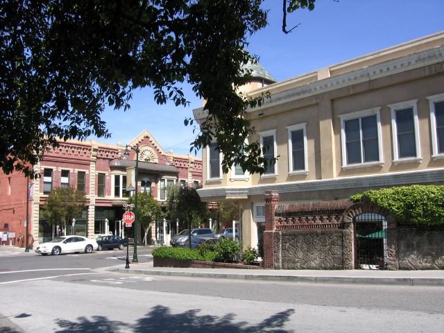Los Gatos Purple Onlion Cafe Small - Slideshow of Silicon Valley neighborhoods